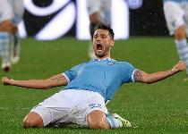 Serie A: rimonta Lazio, Catania schiantato