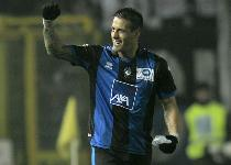 Serie A: doppio Denis, l'Atalanta rimonta il Pescara