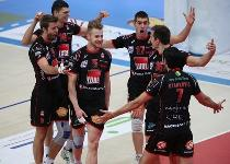 Volley, A1 playoff : Macerata prima finalista