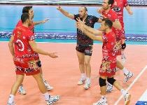 Volley, A1: super Perugia, Modena ko al tiebreak