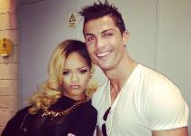 Cristiano Ronaldo-Rihanna: contatto