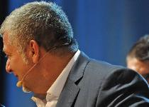 Fa pipì in ascensore al San Paolo: Scarpini si scusa