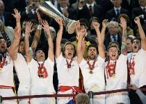 Europa League: Benfica maledetto, festa Siviglia ai rigori
