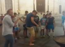 Napoli: Jorginho palleggia con gli