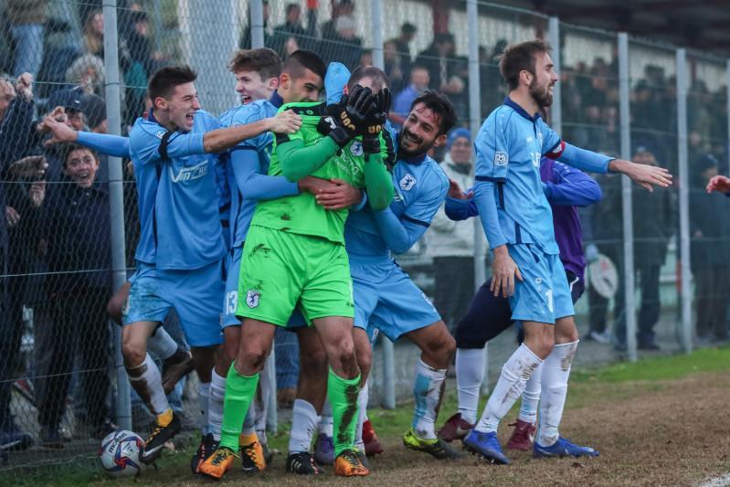 Serie D, Girone D Posticipo 14a Giornata: Infinito Calvina-Adrense, la pareggia il portiere. Reggio Audace-Axys Zola il 19 Dicembre, no a Mirabello e Levantini.