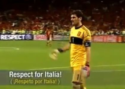 Spagna-Italia, fair play Casillas. Video
