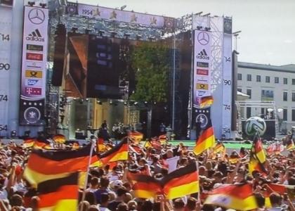 Brasile 2014, live: la festa della Germania a Berlino. Diretta video