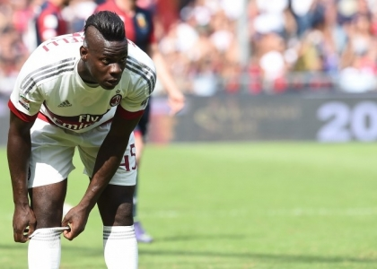 Milan: Balotelli si opera, torna in campo nel 2016