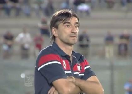 Serie B, Crotone-Cesena 2-0: calabresi in vetta
