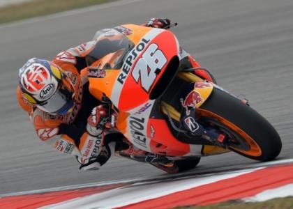 MotoGP, Malesia: Pedrosa in pole, Rossi scalza Lorenzo