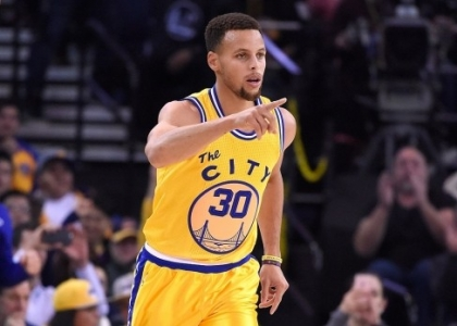 Nba: Golden State senza freni, San Antonio insegue