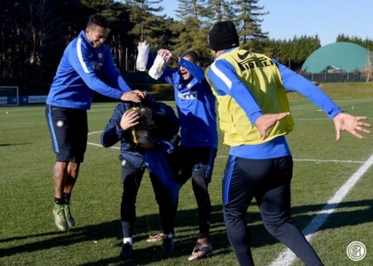 Inter: scherzo di compleanno per Mancini