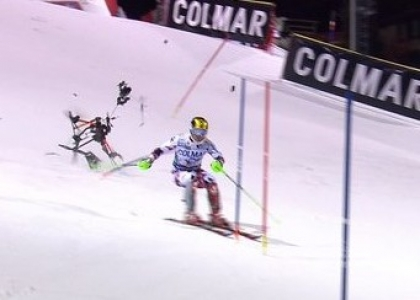 Sci: drone cade in pista, Hirscher rischia grosso. Video