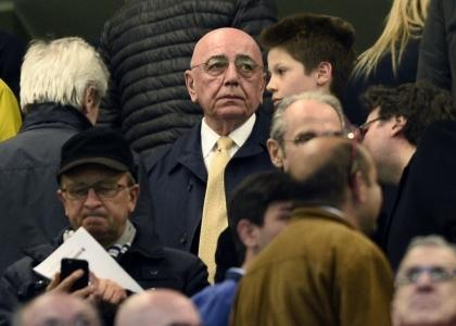 Milan, tutti contro Galliani:
