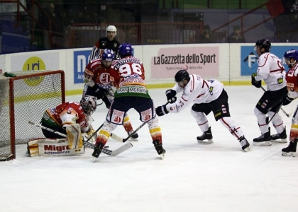 Hockey su ghiaccio: dramma Milano, è auto-retrocessione in Serie B