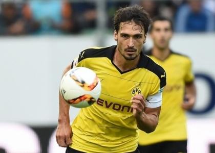 Bundesliga: crollo Dortmund, è festa ad Amburgo