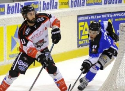 Hockey su ghiaccio: Vipiteno cala il tris, primato in solitario