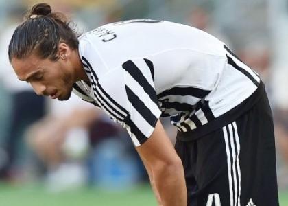 Juventus: Caceres si schianta in Ferrari, patente ritirata