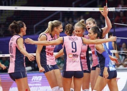 Volley, A1 Femminile: Casalmaggiore batte Bergamo e vola in vetta