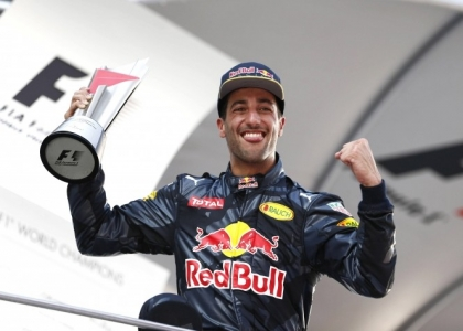 F1, GP Malesia: Ricciardo torna re, disastro Ferrari