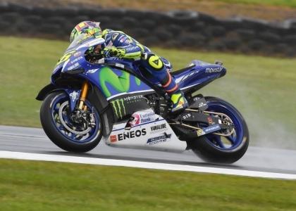 MotoGP, Australia: Marquez si prende la pole, disastro Rossi