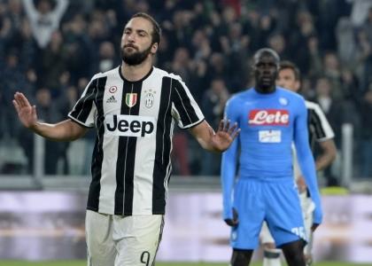 Serie A: Higuain 'spaccaNapoli', la Juventus è in fuga