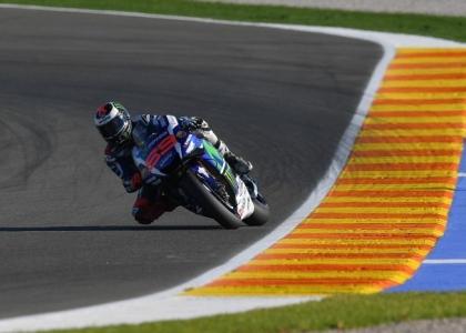 MotoGP, Valencia: super pole per Lorenzo, poi Marquez-Rossi