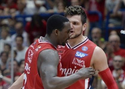Eurolega: Milano non sbaglia, Baskonia spazzata via