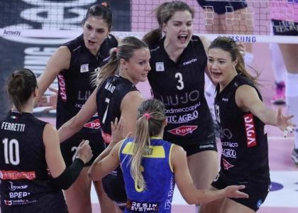Volley, Champions donne: spettacolo Modena, che partenza!