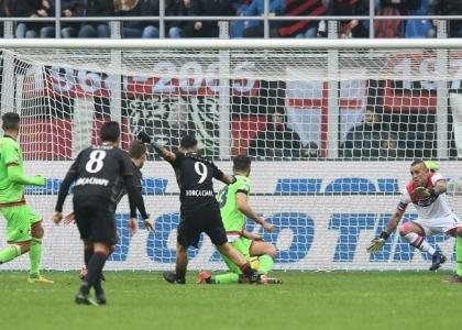 Serie A: Milan-Crotone 2-1, gol e highlights. Video