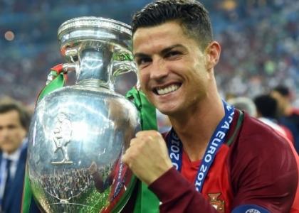 Pallone d'oro 2016: ora è ufficiale, Cristiano Ronaldo fa poker