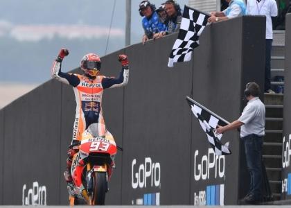 GP del Giappone: disastro Rossi e Lorenzo, Marquez è Mondiale