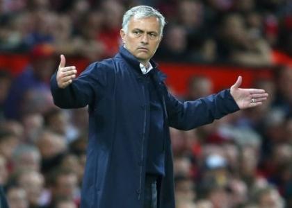 Premier: Mazzarri batte Mourinho, United in crisi