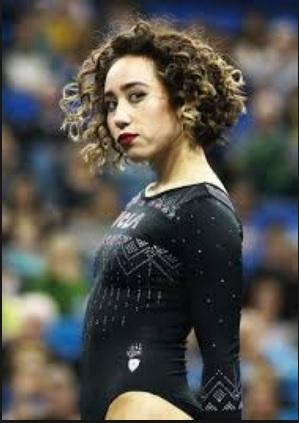 La storia di Katelyn Ohashi, la ginnasta criticata per i chili di troppo