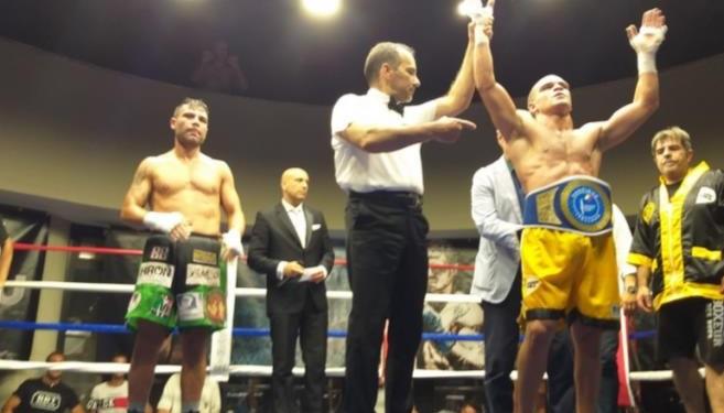 Boxe, a Roma El Harraz resta campione medi:  Lecca kot 7.