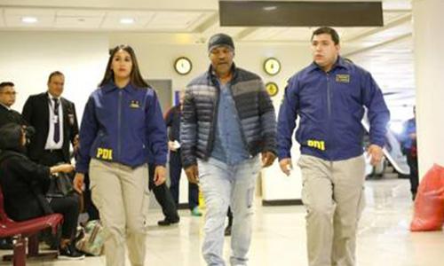 Tyson respinto in Cile per via dei precedenti penali. La rete insorge