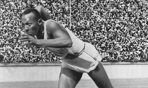 Jesse Owens, la stella nera di Berlino