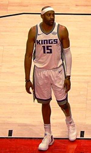 Vince Carter, il primo giocatore della storia a giocare 22 stagioni in NBA