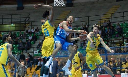 Basket, caso Cantù: Pashutin salta l'allenamento e vola all'Avtodor Saratov
