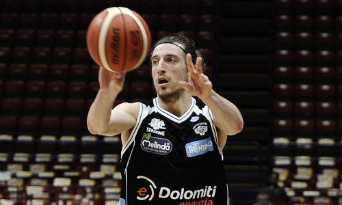 Basket, Serie A: Bologna crolla nel finale, Trento inizia con un successo