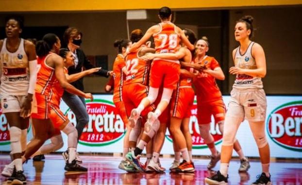 Basket - Famila Schio batte Umana Reyer Venezia: si va a gara-5