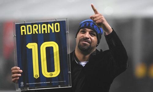 Adriano si racconta: ''La morte di mio padre mi ha distrutto, arrivavo ubriaco agli allenamenti dell'Inter''