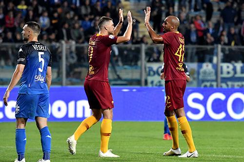 Empoli-Roma 0-2: decidono Nzonzi e Dzeko, Caputo sbaglia un rigore
