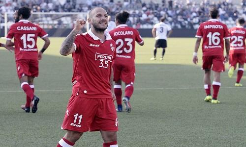 Serie B: la Cremonese si aggiudica il derby con il Brescia, poker del Bari al Cittadella