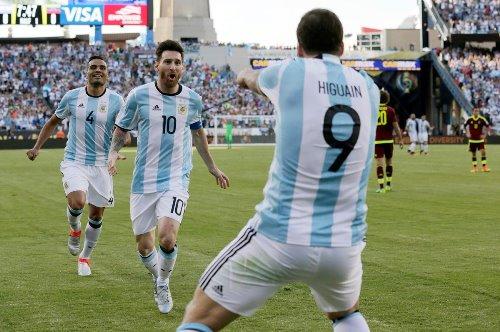 """Argentina, Higuain si ritira dalla nazionale: """"Lascio per la gioia di molti"""""""