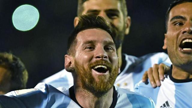 VIDEO - L'incredibile espulsione di Messi e Medel in Argentina-Cile
