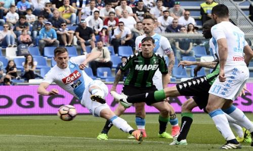 Napoli, Milik non chiude al Chievo:
