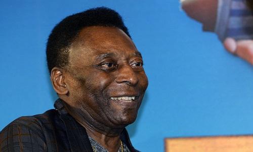 Pelé all'attacco: