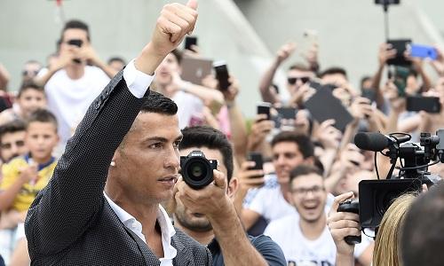 Juventus, Cristiano Ronaldo si presenta: