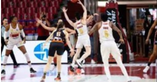 Basket - Venezia batte Schio: ad una vittoria dal primo scudetto